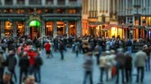 bruxelas : v27. City pedestrian traffic time lapse of busy Brussels shopping area. Stock Footage