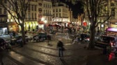 bruxelas : v29. City pedestrian traffic time lapse of busy Brussels shopping area. Stock Footage