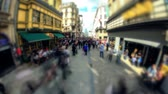 bruxelas : v38. City pedestrian traffic time lapse of busy Brussels shopping street.