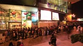 nejvyšší : Hong Kong, China - December 7, 2016: time lapse of a crowd of tourists catching the Peak Tram by night. The Peak Tram is the most popular attraction in Hong Kong island. Dostupné videozáznamy