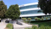 zentrale : Sunnyvale, Kalifornien, USA - 12. August 2018: Yahoo Headquarters mit Yahoo-Symbol an der Spitze. Videos