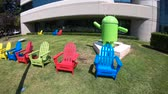 andróide : Mountain View, California, United States - August 13, 2018: Google Android statue at Google Mountain View Campus - Building 46 in 1565 Charleston Road, Shoreline neighborhood, CA.