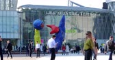 la defense : Paris, France - October 16, 2018: Time Lapse Of The Joan Miro Sculpture In Front Of The Four Times, Shopping Mall And Leisure Complex In The Defense Business District In Paris, France, Europe - DCi 4K Resolution