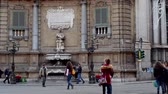 PALERMO, ITALY -DECEMBER, 20: Quattro Canti, officially known as Piazza Vigliena, is a Baroque square on December 20, 2016 Vídeos