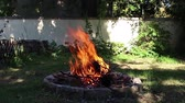 kamp ateşi : Stew camp fire cauldron camping. Outdoor cooking. Stok Video