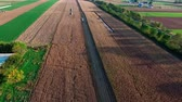 pensilvanya : Amish Farms ready to Harvest there Fields Stok Video