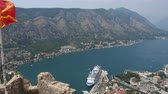 montanha : Looking over the Bay of Kotor in Montenegro