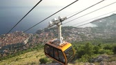 ドゥブロブニク : View Of Old City Dubrovnik Cable Car Passing By Sunset Travel Tourism Happiness Vacation Concept