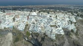 Киклады : Aerial view of famous Greek resort Thira. Стоковые видеозаписи