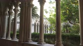 ドゥブロブニク : Cloister with beautiful arches and columns in old Dominican monastery in Dubrovnik