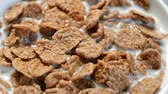 gevrek : chocolate cornflakes with milk Stok Video