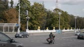 автомобили : Minsk, Belarus - September 07, 2019: Central Independence Avenue in the capital of Belarus, Minsk, car traffic Стоковые видеозаписи