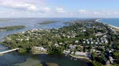 南西 : Aerial view of Longboat Key town and beaches in Manatee and Sarasota counties along the central west coast of the U.S. state of Florida,