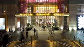 пешеход : Entrance to a hugh modern shopping complex in the new Pudong district Стоковые видеозаписи