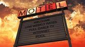 esfarrapado : 4K Old Grungy Motel Sign On the Road in a Wonderful Sunset 3D Animation