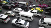 opstopping : Bangkok, Thailand - August 16, 2019 : Many cars in evening traffic jam at Bangkok