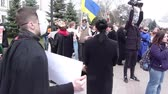ocupação : DNIPRO, UKRAINE - MARCH 24, 2017: Workers of the theaters and the philharmonic society hold a protest rally against the arbitrariness of the authorities and reduce their wages by 30-40%