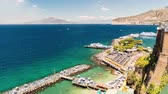 neapol : Timelapse with aerial view of Mount Vesuvius and the town of Sorrento, Bay of Naples, Italy. Seemless loop video