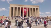 Ankara, Turkey - August 2019: Anitkabir Mausoleum of Ataturk with people visiting the Great Leader Ataturk in his grave to convey his love and respect. Wideo
