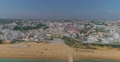 Алгарве : Aerial view of Praia dos Pescadores (Fishermen beach) in a sunny day, famous destination in Albufeira, Algarve, Portugal.