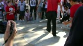 ginasta : Hip-Hop breakdancers compete in pairs,   Plaza of the Palace of Popes, Avignon