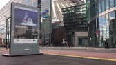 sinema : BERLIN, GERMANY - FEBRUARY 4, 2018: Berlinale Time Lapse: Advertisement For The Berlin International Film Festival 2018 And Traffic Near Potsdamer Platz