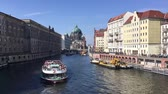 gemi : BERLIN, GERMANY - MARCH 30, 2018: River Spree With Boat And Berlin Cathedral In Background In Berlin, Germany