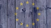voto : EU Politics News Concept: European Union Flag Wooden Fence, Pan Shot Vídeos