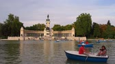 statue : Unidentified people in Parque del Retiro - Retiro Park in Madrid, Spain Stock Footage