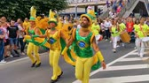 Brazilian male dancers dancing to the drums, LGBT parade antwerp, Antwerp, Belgium, August 10, 2019 Стоковые видеозаписи