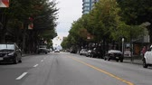 розничная торговля : VANCOUVER, BRITISH COLUMBIA,CANADA - CIRCA May 2012 :robson st - middle of the street special angle
