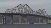 pendulares : The Tappan Zee Bridge, spanning the Hudson River from Westchester County to Rockland County, New York.