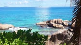 旅遊 : Granite rocks on tropical beach 影像素材