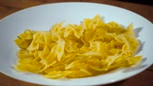 maccheroni : Video of falling diet pasta Filmati Stock