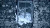 すごい : Snow-covered window of Stalingrad