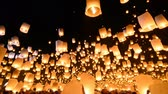 çok renkli : Beautiful Many Fire Lanterns Floating In Famous Loy Krathong Festival Of Chiang Mai Thailand 2013 Stok Video