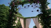 jardim formal : Arrangement of flowers in a place of wedding