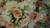 bloemstuk : Wedding bouquet of fresh flowers. Festive bouquet of fresh flowers. Wedding bridal bouquet. Wedding floristry. Close up.