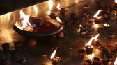 divórcio : Burning candles in the Indian temple. Diwali the festival of lights.