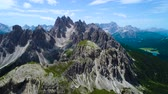 dağ geçidi : National Nature Park Tre Cime In the Dolomites Alps. Beautiful nature of Italy. Aerial FPV drone flights Stok Video