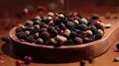 biber tanesi : Mixed peppercorns. Dry mix peppercorns close up