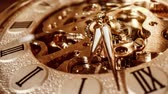 потерянный : Antique clock dial close-up. Vintage pocket watch.
