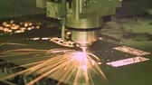 copiadora : CNC Laser cutting of metal, modern industrial technology.
