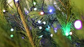 noel : Christmas tree garland decoration of the Christmas tree closeup Stok Video