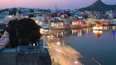 巡礼者 : Pushkar is a town in the Ajmer district in the Indian state of Rajasthan. It is a pilgrimage site for Hindus and Sikhs. Pushkar has many temples. Rajasthan India.