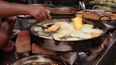 utensili da cucina : Indian street food Fried Jhangri or jalebi. Rajasthan state in western India. Filmati Stock