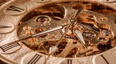 шестерня : Antique clock dial close-up. Vintage pocket watch.