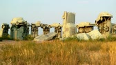 античный : The auto replica of Stonehenge, Carhenge in Alliance, Nebraska Стоковые видеозаписи