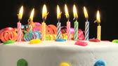 queimado : Candles on a Birthday cake burning down, time lapse Vídeos