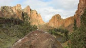 scénický : Smith Rock state park, Oregon, dolly shot